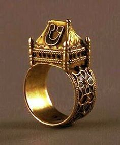 Ring located at the Museum of Decorative Arts in Paris. Jewish Rings