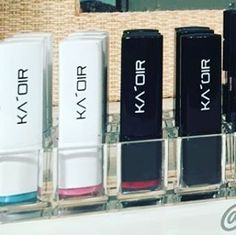 Yes @whatevamakeup!! Those #KAOIR tubes look great sitting in...