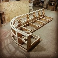 Seating For Small Living Room Diy Daybed, Diy Sofa, Easy Woodworking Projects, Woodworking Furniture, Furniture Upholstery, Furniture Design, Round Sofa, Sofa Set Designs, Living Room Sofa Design