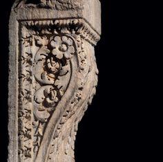 ROMAN MARBLE MONUMENTAL CORBEL FROM  THE BATHS OF CARACALLA  Severan, c. 2nd century AD Roman Artifacts, Historical Artifacts, Greek Model, Roman Sculpture, Art Decor, Decoration, Roman History, Ancient Beauty, Ancient Rome