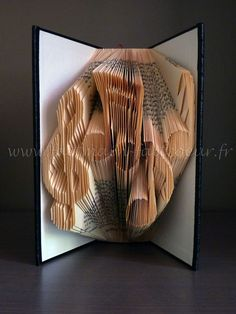 Patron livre plié notes de musique (Music notes folded book pattern)