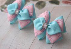 Фотография Ribbon Hair Bows, Diy Hair Bows, Diy Bow, Bow Hair Clips, Ribbon Art, Ribbon Crafts, Christmas Hair Bows, Barrettes, Hairbows