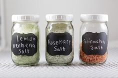 If you are looking for a great DIY Foodie gift or you want to add a little flair to your own cooking, you are going to love these DIY Salts – Rosemary Salt, Lemon Verbena Salt, and Sriracha. Homemade Spices, Homemade Seasonings, Spice Blends, Spice Mixes, Chutney, No Salt Recipes, Herb Recipes, Edible Gifts, Seasoning Mixes