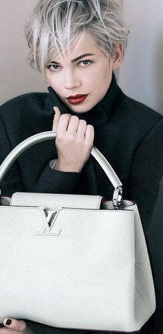 Louis Vuitton Capucines MM in White With Taurillon Caviar Trim