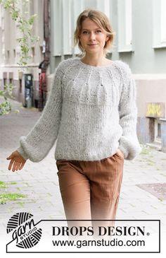 Ravelry: Weekend Vibe pattern by DROPS design Sweater Knitting Patterns, Knit Patterns, Free Knitting, Drops Design, How To Start Knitting, Work Tops, Pulls, Knit Crochet, Sweaters For Women