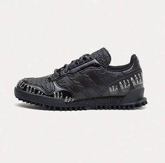 Αγαπημένε Άγιε Βασίλη… θέλω αυτά τα παπούτσια για τα Χριστούγεννα.  http://www.instyle.gr/article/agapimene-agie-vasili-thelo-afta-ta-papoutsia-gia-ta-christougenna/