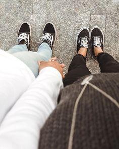 Tumblr Hipster, Tumblr Girls, Boy Best Friend Pictures, Love Photos, Couple Pictures, Tumblr Polaroid, Friendship Photoshoot, Lightroom, Boys Vs Girls