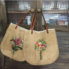 Wonderful Ribbon Embroidery Flowers by Hand Ideas. Enchanting Ribbon Embroidery Flowers by Hand Ideas. Diy Bags Purses, Embroidery Bags, Bag Patterns To Sew, Denim Bag, Fabric Bags, Handmade Bags, Bag Making, Burlap, Reusable Tote Bags