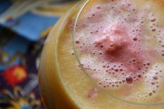 Run Hard Eat Clean: Smoothie Sundays~Kiwi Arugula & Cantaloupe Strawberry