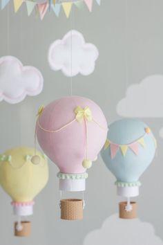 Pastel bebé móvil móvil del globo de aire por sunshineandvodka