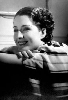 Norma Shearer photos, including production stills, premiere photos and other event photos, publicity photos, behind-the-scenes, and more.