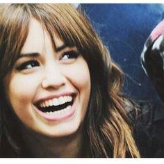 Quiero ver esa sonrisa hermosa de nuevo  by marianylala_