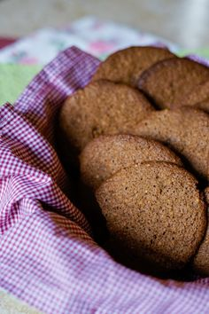 Receita: cookie de cacau sem glúten - Blog da Ge Sem Lactose, Gluten Free, Healthy Recipes, Bread, Desserts, Blog, Fitness, Gluten Free Biscuits, Gluten Free Foods