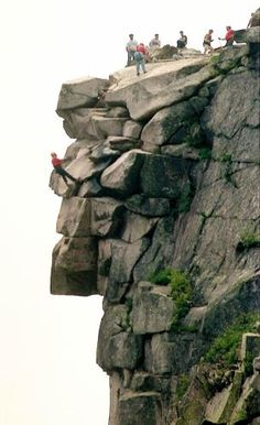 Old Man Of The Mountain....no longer there  :(