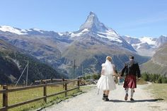 How about hiking to the reception after your wedding in Zermatt? Crewe-Read Photography.