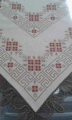 Cross Stitch Borders, Cross Stitch Designs, Cross Stitching, Cross Stitch Embroidery, Embroidery Patterns, Hand Embroidery, Cross Stitch Patterns, Palestinian Embroidery, Bargello