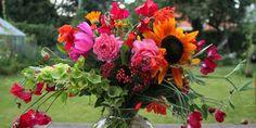 SOLSIKKE, SOLSIKKE, KIG DEN ANDEN VEJ / Bouuquet with sunflowers