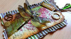 Stempel-Gewerkel: Dragonfly on corrugated cardboard