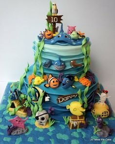 Finding Nemo: Chaos in the Aquarium - cake by Jo Finlayson (Jo Takes the Cake) - CakesDecor Unique Cakes, Creative Cakes, Cupcakes, Cupcake Cakes, Aquarium Cake, Finding Nemo Cake, Finding Dory, Dory Cake, Sea Cakes