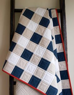 Colchas Quilting, Machine Quilting, Quilting Projects, Quilting Designs, Sewing Projects, Gingham Quilt, Navy Quilt, Rustic Quilts, Boy Quilts