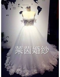 Vintage off shoulder sweetheart lace appliques pearls beaded court train wedding dresses LW-299