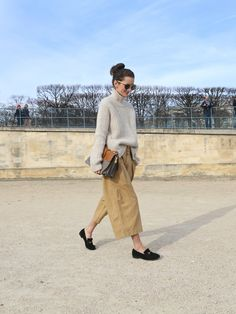 I wish I could explain how much I love this look. slouchy chic... big yes. Paris.