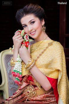 Thai wedding dress. ชุดไทยจักรพรรดิ Credit: อัปสรานครเช่าชุดขอนแก่น. The national costume of Thailand. Thai traditional wedding dresses and new Thai modern style dresses. In Thailand especially for contemporary traditional wedding ceremony style. Thailand. #ชุดไทย #ชุดไทยจักรพรรดิ #ชุดไทยพระราชนิยม #ชุดประจำชาติไทย #wedding #dresses #sbai #traditional #national #costume #modern #bride #silk #culture #hairstyle #makeup #jewelry #outfit #Siam #Alicio #Aliciothailand #Thailand Thai Wedding Dress, Wedding Dresses, Thailand National Costume, Sari, Costumes, Women, Bride Dresses, Saree, Bridal Gowns