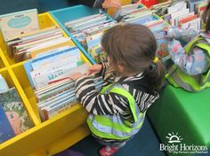 Growing Readers at Bruntsfield Nursery in #Edinburgh took a trip to the local library to look for books on transport. #earlyyears #education