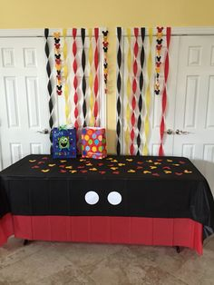Table for presents with Mickey Mouse head confetti… Mickey Mouse Clubhouse Party, Mickey Mouse Clubhouse Birthday, Mickey Mouse Parties, Mickey Birthday, Mickey Party, Baby Birthday, Birthday Party Tables, 2nd Birthday Parties, Birthday Ideas