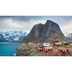 Hamnoy Islands Lofoten, Nordland, Norway 📷 Tom Archer