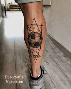 Tatuaż piłkarza football tattoo Band Tattoos For Men, 12 Tattoos, Lion Head Tattoos, Tatuajes Tattoos, Hand Tattoos, Tattoos For Guys, Soccer Tattoos, Football Tattoo, Stag Tattoo