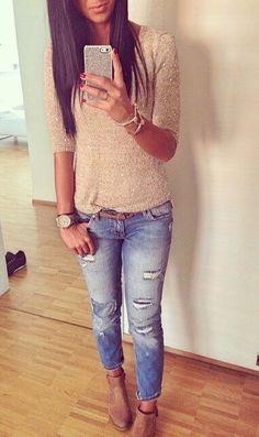 Ugh ripped jeans again. Cute top though.