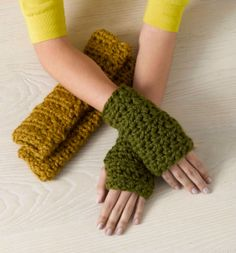 Crochet Wharton Wristers free pattern.