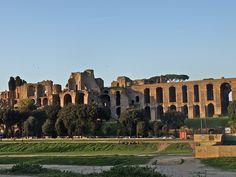 Domus Augustana no Palatino, co Circo Massimo en primeiro plano.