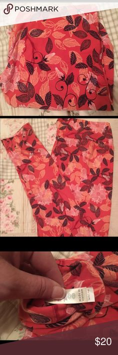 🌺BNWT LLR TC FALL LEGGINGS🌺 🌺BNWT LLR TC FALL LEGGINGS. JUST NOT MY COLOR AND HAVEN'T EVEN BEEN TRIED ON. ORIGINAL PACKAGING AND TAGS INCLUDED. I'M MOVING AND THESE BELONG WITH SOMEONE WHO WILL WEAR THEM❣️🌺ABSOLUTELY BEAUTIFUL ORANGISH/PINK BACKGROUND WITH BLACK LEAVES AND CREAM COLORED FLOWERS ALL OVER, PERFECT WITH TALL BOOTS AND A SARAH OR JEAN JACKET❣️🌺 LuLaRoe Pants Leggings