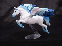 Breyer Custom SM Pegasus by colorscapesart on DeviantArt Majestic Horse, Beautiful Horses, Pegasus, Cute Fantasy Creatures, Horse Therapy, Painted Pony, Unicorn Art, Equine Art, Art Model