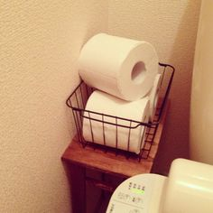 トイレの収納グッズが100均でそろう|おしゃれなアイデア集 | iemo[イエモ]