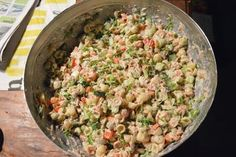 Ja TAAS näitä pastasalaattiohjeita, toivottavasti ette jo ihan kyllästy!! Isäntä näitä vaan kärttää joka viikkoa, ja kuten tiedätte, niin o... Fried Rice, Pasta Salad, Salad Recipes, Potato Salad, Fries, Potatoes, Ethnic Recipes, Koti, Dinners