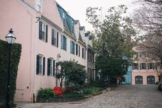 What to Do in Charleston, Charleston Guide, Charleston Itinerary, Charleston Food, Charleston Beach, Charleston Beaches, Charleston Eats, Charleston Restaurants, Charleston Buildings, Charleston Streets, Charleston Homes, Charleston Fashion, Where to go in Charleston, South Carolina Vacation, Charleston Vacation, Mount Pleasant, Sullivan's Island, Folly Beach, South Carolina