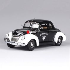 1:18 Ford 1939 Deluxe Police Car Black Zinc Alloy Car Model Diecast for Collections Toys For Boys Gifts Displays