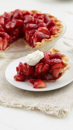 Easy strawberry pie recipe in 2019 dessert recipes выпечка, Easy Strawberry Pie, Strawberry Desserts, Köstliche Desserts, Delicious Desserts, Dessert Recipes, Stawberry Pie, Alcoholic Desserts, Graham Crackers, Pie Cake
