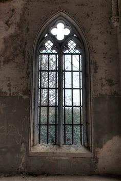 Chateau Hogemeyer window - abandoned