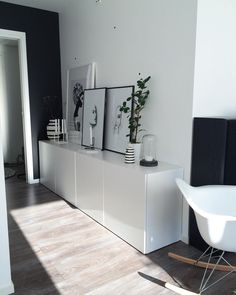 "1,003 tykkäystä, 19 kommenttia - MAREN BAXTER 🇳🇴 (@marenbaxter) Instagramissa: ""Have a lovely day🌸 #artwork #art #myhome #uashmama #home #livingroom #finahem #style #design4you…"""