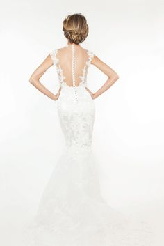 Aquilah by Lucas Anderi. Image via Fashion Bride.
