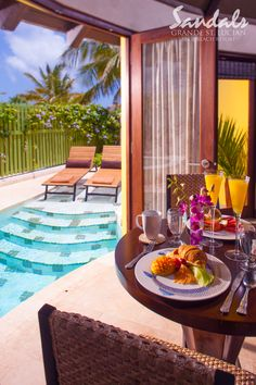 Breakfast at your Beachfront Grande Rondoval Butler Suite.