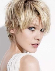 Short blonde hair inspiration for summer highlights. Short Hairstyles For Women, Straight Hairstyles, Cool Hairstyles, Short Haircuts, Layered Hairstyles, Hairstyle Ideas, Blonde Hairstyles, Hair Ideas, Natural Hairstyles