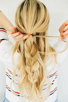 Three Easy Hairstyles // Three Minutes Each | Barefoot Blonde | Bloglovin'