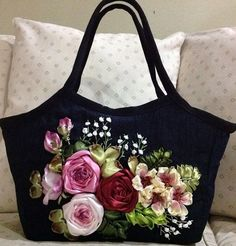 Wonderful Ribbon Embroidery Flowers by Hand Ideas. Enchanting Ribbon Embroidery Flowers by Hand Ideas. Embroidery Designs, Embroidery Bags, Silk Ribbon Embroidery, Embroidery Thread, Embroidery Machines, Flower Embroidery, Embroidered Flowers, Ribbon Art, Ribbon Crafts