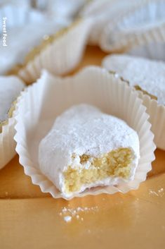 Makrout al louz – The Best Arabic sweets and desserts recipes,tips and images Sweet Recipes, Real Food Recipes, Dessert Recipes, Yummy Food, Arabic Sweets, Arabic Food, Cookie Desserts, Chocolate Desserts, Lebanese Desserts