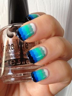 Gradient Scalloped Manicure in Blue